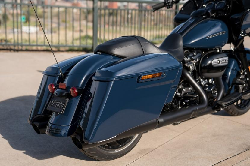 touring-road-glide-special-custom-gallery-3