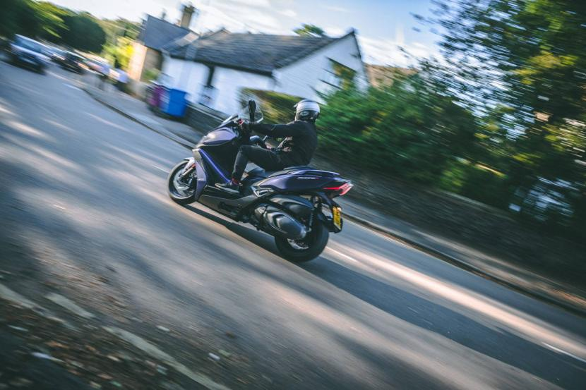 kymco-xciting-s400i-abs-23