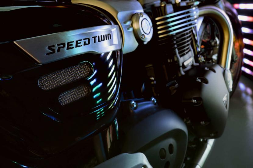 speed-twin-gallery-5
