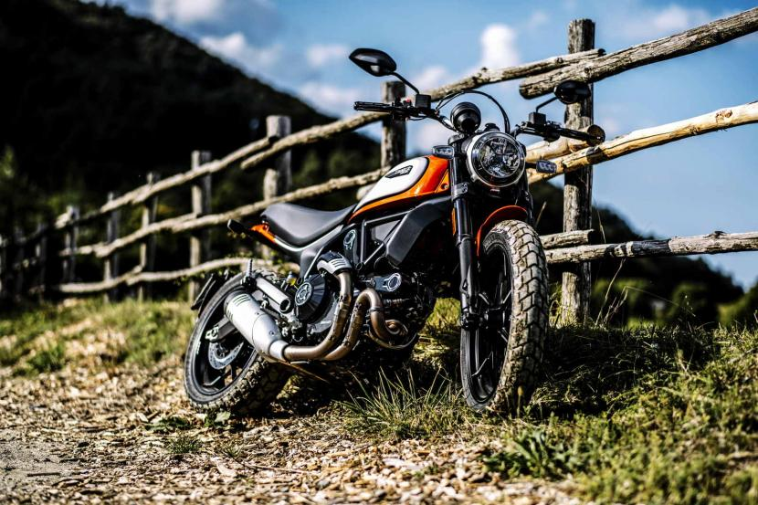 MY19_SCRAMBLER_ICON_AMBIENCE_02_UC67329_Mid