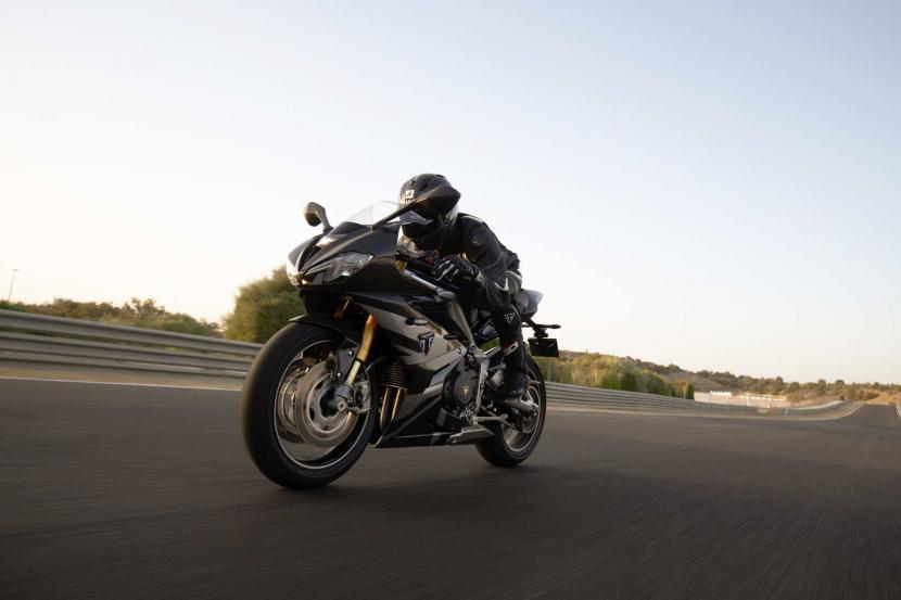 Daytona_Moto2_765-Dynamic_5