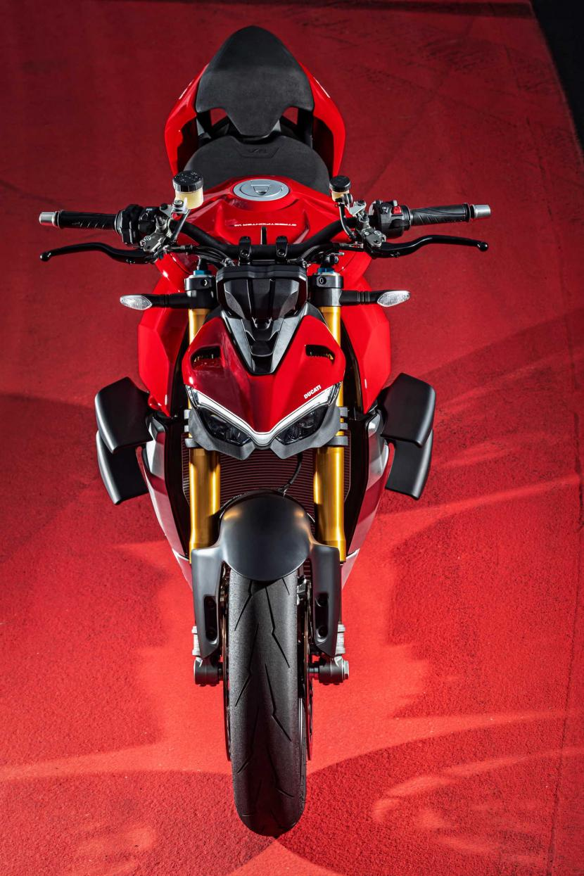MY20_DUCATI_STREETFIGHTER V4 S_AMBIENCE_35_UC101656_Preview