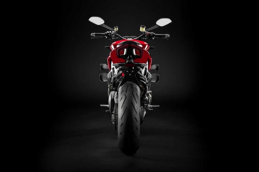 MY20_DUCATI_STREETFIGTHER V4 S_07_UC101688_Preview