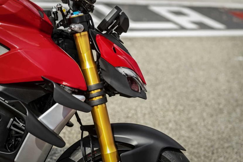 MY20_DUCATI_STREETFIGHTER V4 S_AMBIENCE_42_UC101663_Mid