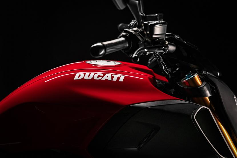 MY20_DUCATI_DIAVEL 1260 S_08_UC101618_Preview