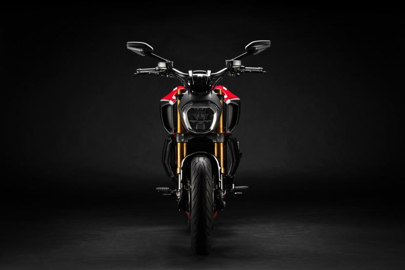 MY20_DUCATI_DIAVEL 1260 S_03_UC101619_Preview