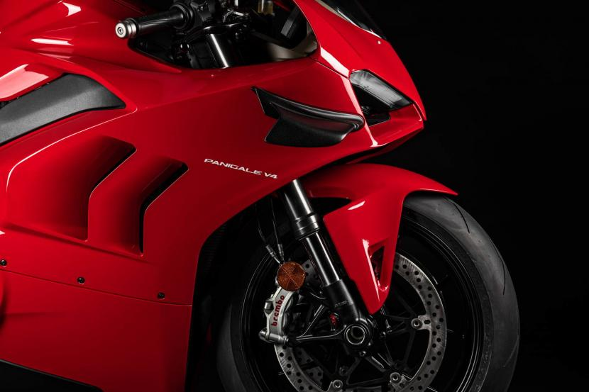 MY20_DUCATI_PANIGALE V4_11_UC101546_Preview