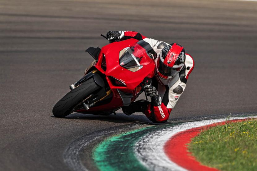 MY20_DUCATI_PANIGALE V4_38_UC101570_Preview