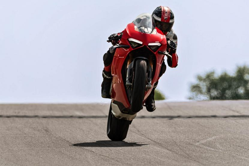 MY20_DUCATI_PANIGALE V4_39_UC101571_Preview
