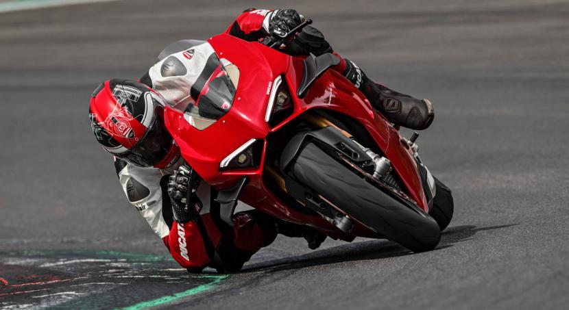 MY20_DUCATI_PANIGALE V4_40_UC101574_Preview