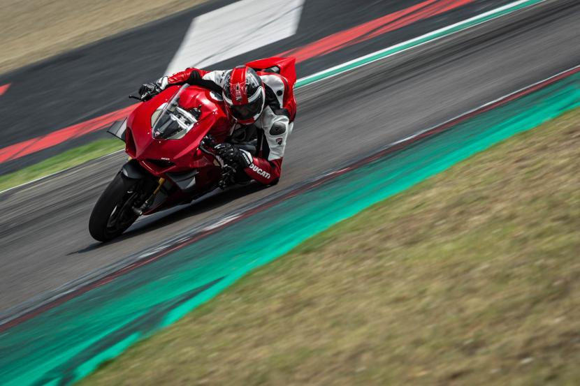 MY20_DUCATI_PANIGALE V4_43_UC101568_Preview