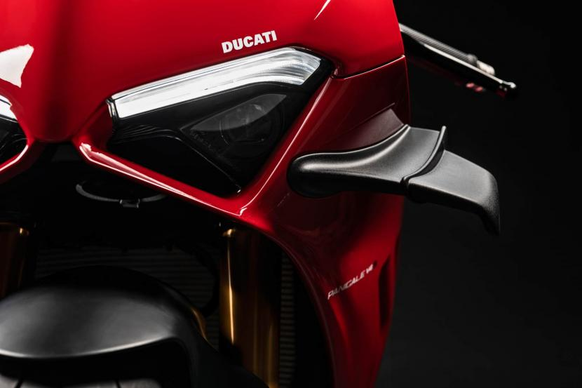 MY20_DUCATI_PANIGALE V4_26_UC101560_Preview