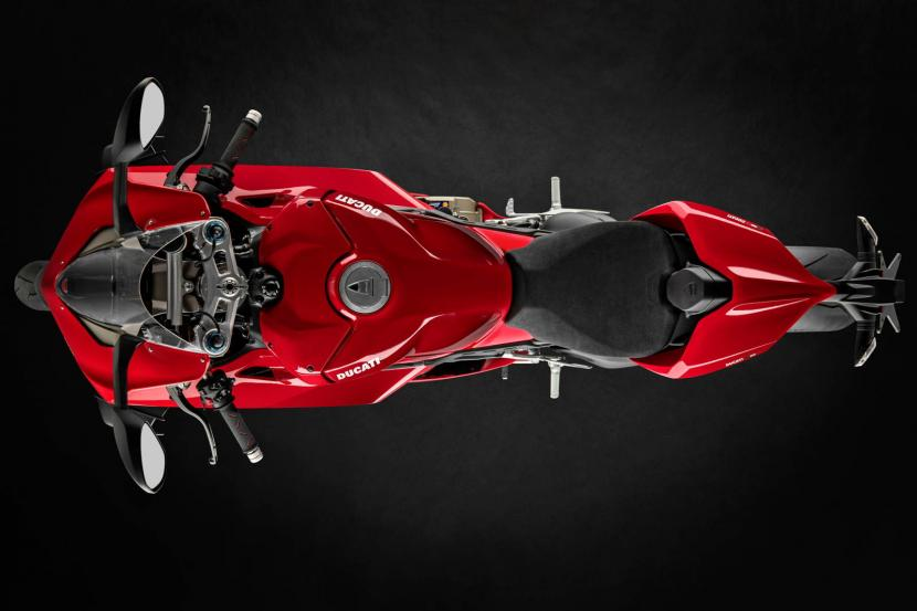 MY20_DUCATI_PANIGALE V4_01_UC101536_Preview