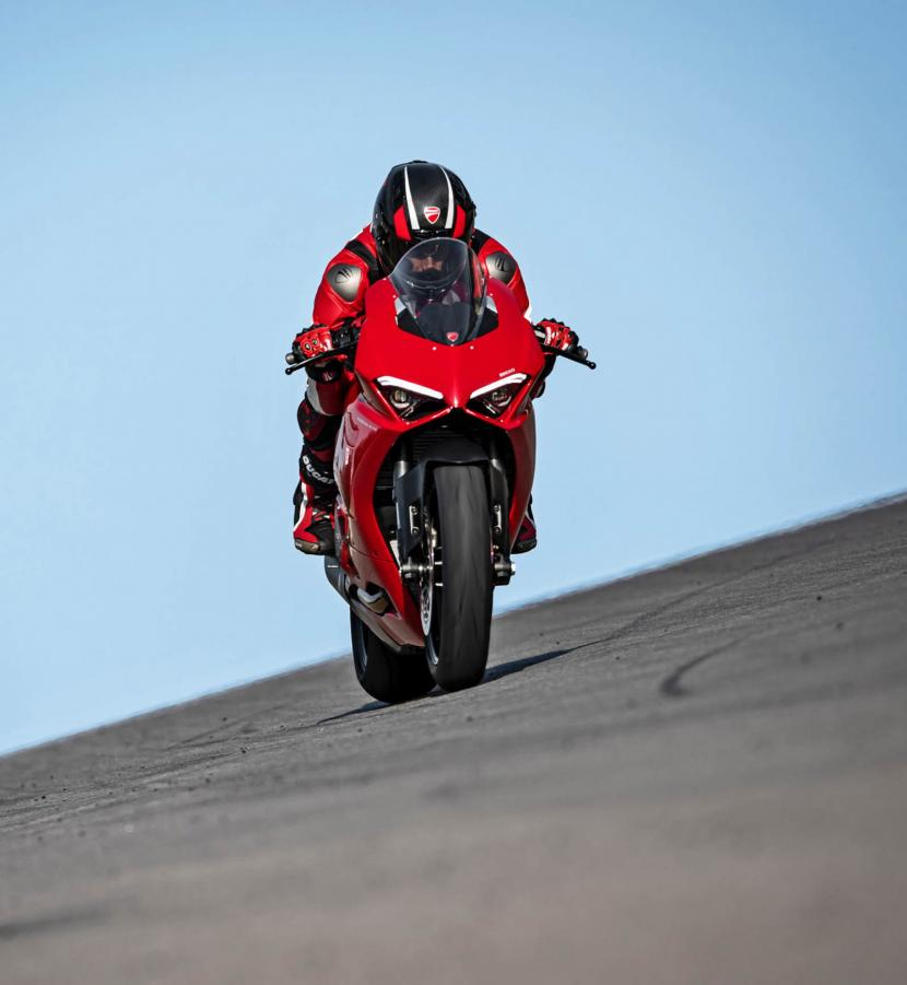 DUCATI_PANIGALE V2_AMBIENCE_24_UC101513_Preview