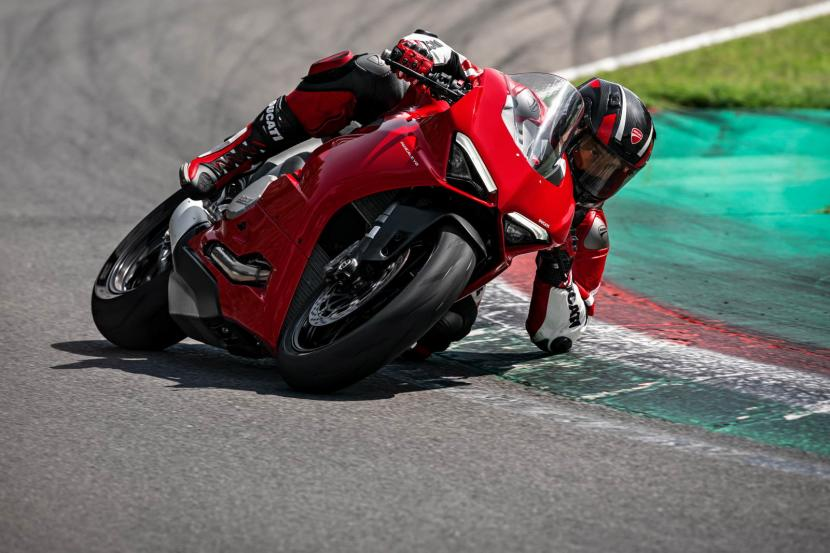 DUCATI_PANIGALE V2_AMBIENCE_08_UC101498_Preview