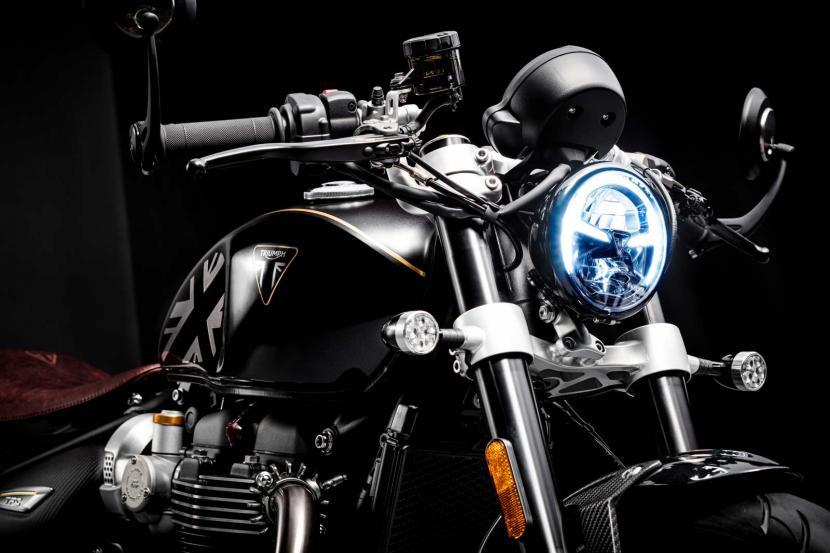 Bobber-TFC--LED-headlight-and-indicators