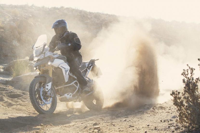 tiger-900-rally-pro-20MY-AZ4I4550-AB-1