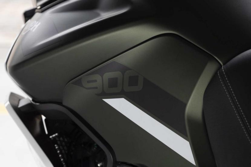 tiger-900-rally-pro-detail-20MY-AZ4I0684-AB-1