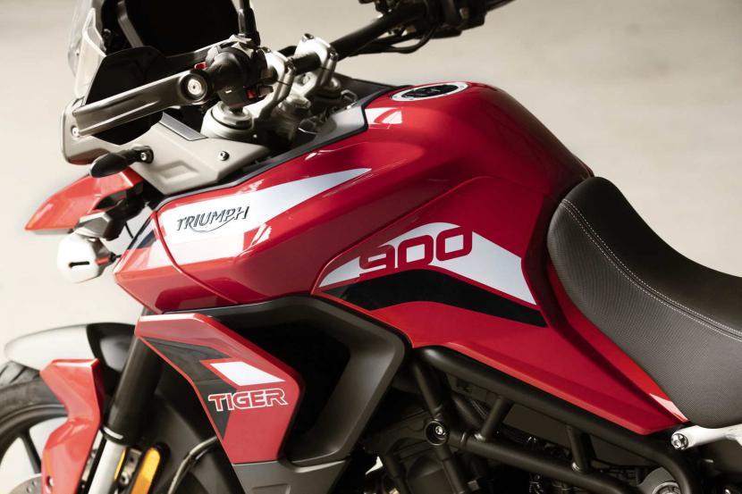 tiger-900-gt-pro-detail-20MY-AZ4I0273-AB-1
