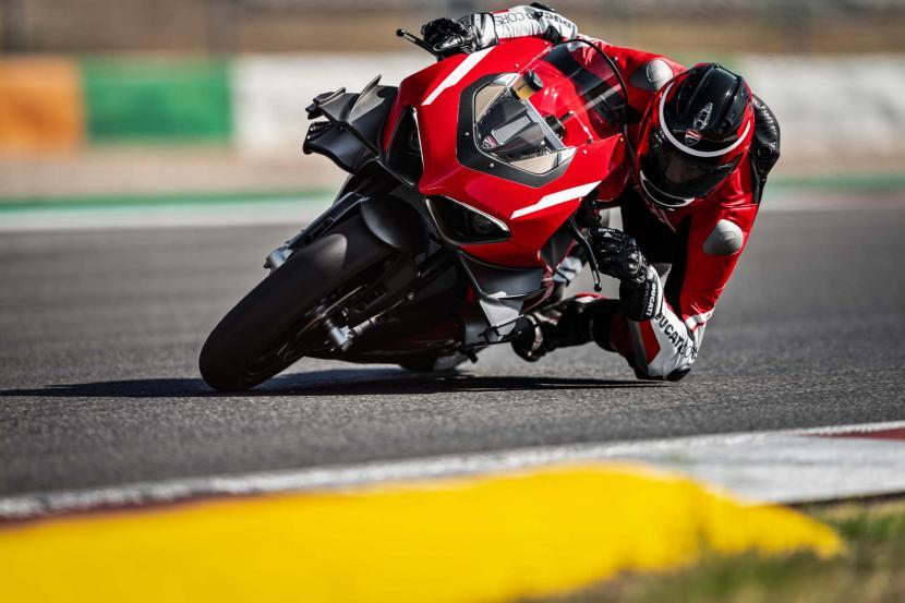 05_Ducati Superleggera V4_Action_UC145867_Preview
