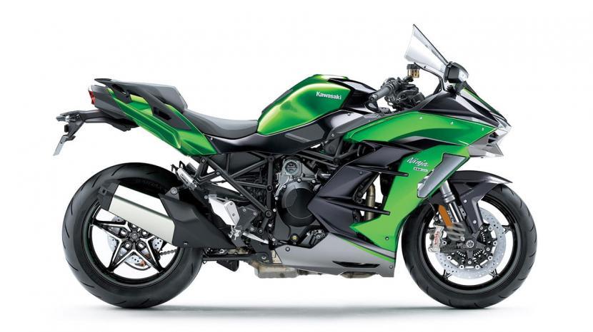 Emerald Blazed Green / Metallic Graphite Grey / Metallic Diablo Black