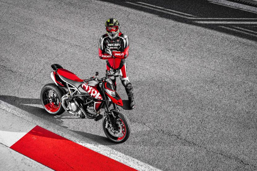 DUCATI HYPERMOTARD 950 RVE_ACTION_01_UC169743_Preview