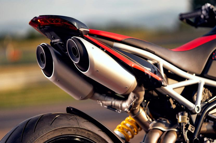 DUCATI HYPERMOTARD 950 RVE_AMBIENCE_07_UC169748_Preview