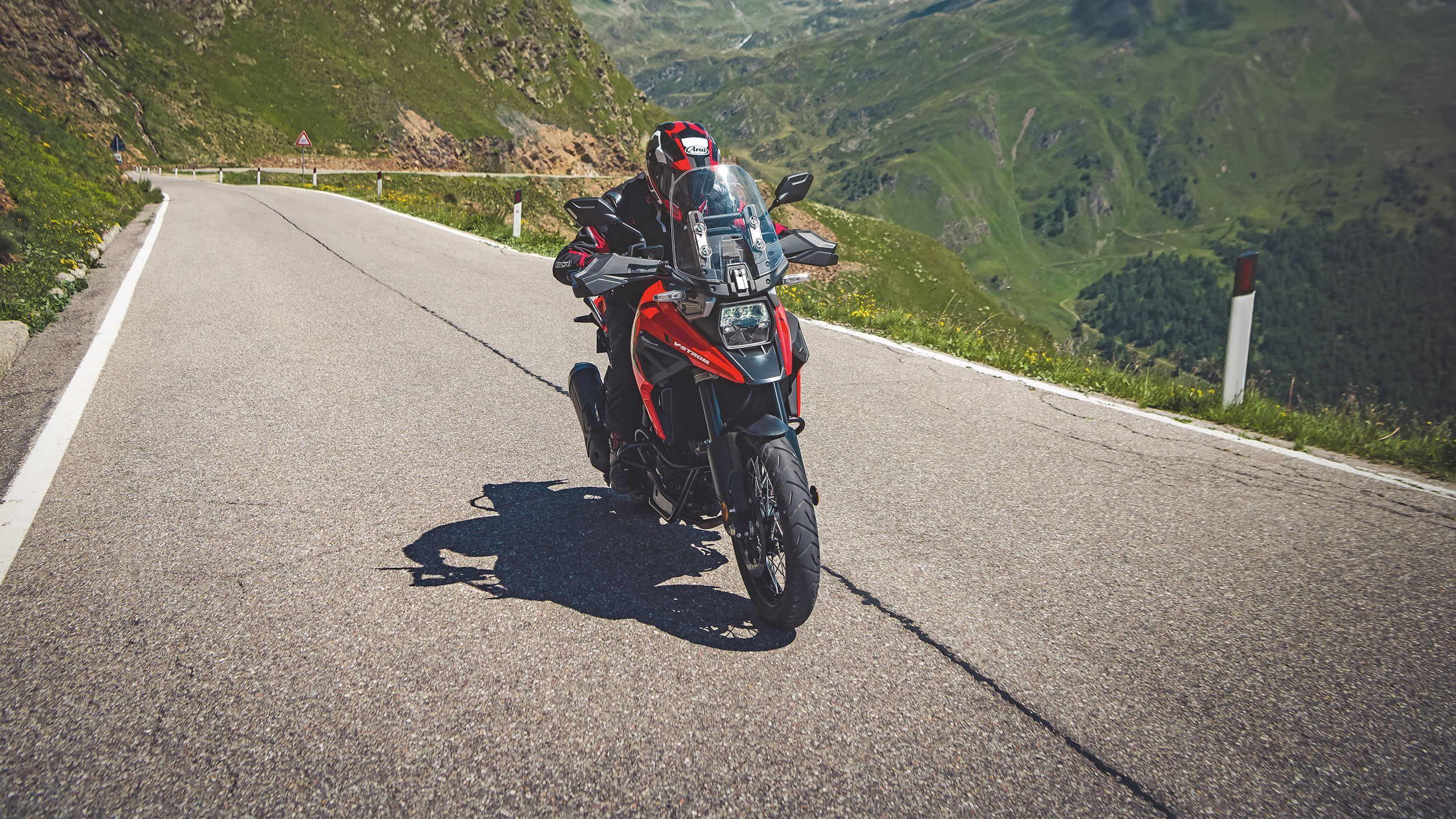 Suzuki V-Strom 1050XT Tour