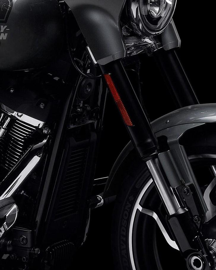 2021-sport-glide-motorcycle-k3