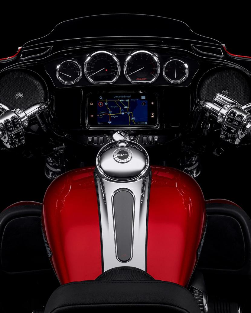2021-cvo-tri-glide-motorcycle-k4
