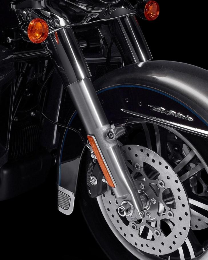 2021-tri-glide-ultra-motorcycle-k5