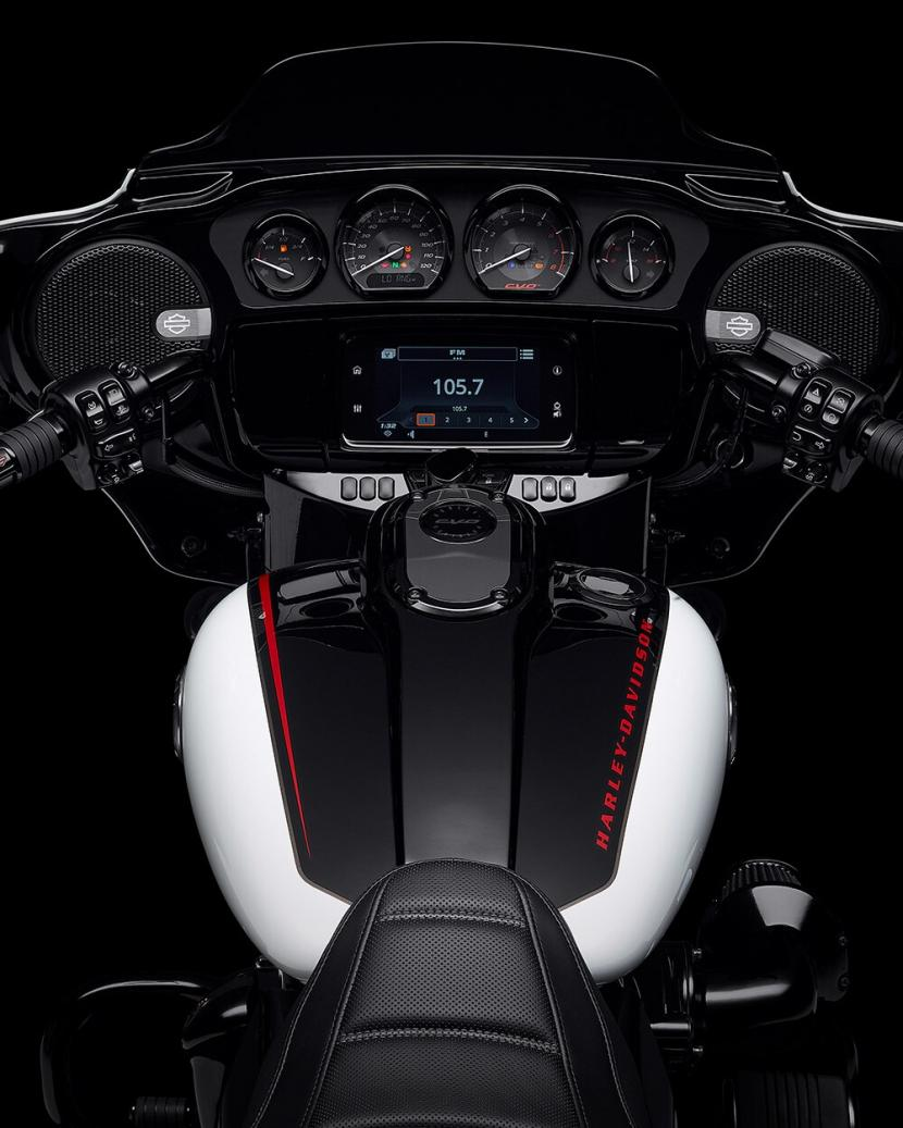 2021-cvo-street-glide-motorcycle-k4