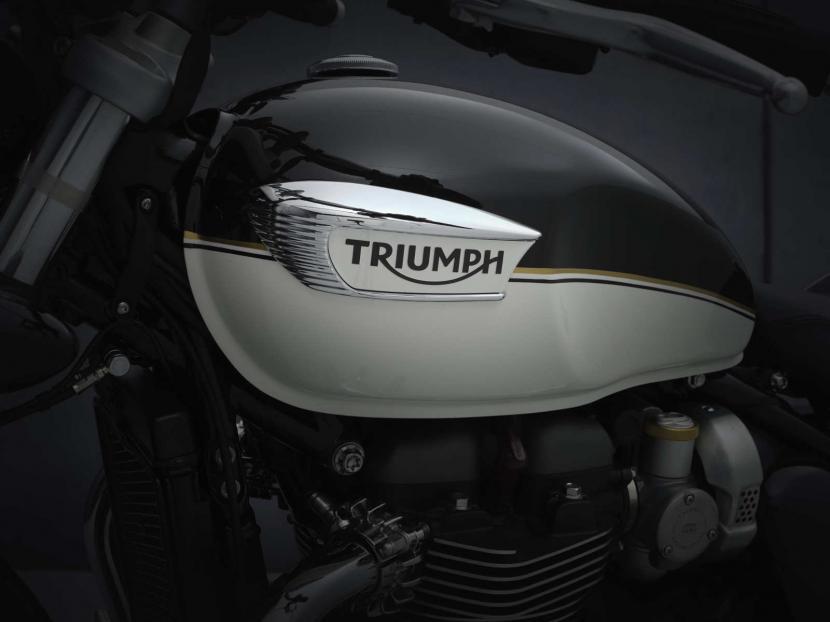 SpeedMaster_21MY_1957_BR_Details_logo_clean