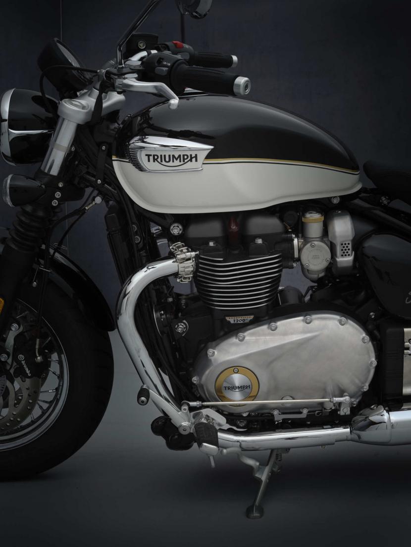 SpeedMaster_21MY_1951_BR_Details_frontside_master
