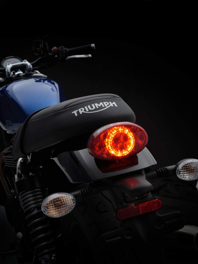 StreetTwin_21MY_1882_BR_Details