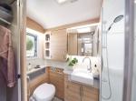 60fb6112b6f1dunicorn-v-madrid-washroom-2.jpg