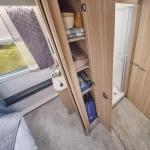 60fb673743e00unicorn-v-pamplona-bedroom-storage.jpg