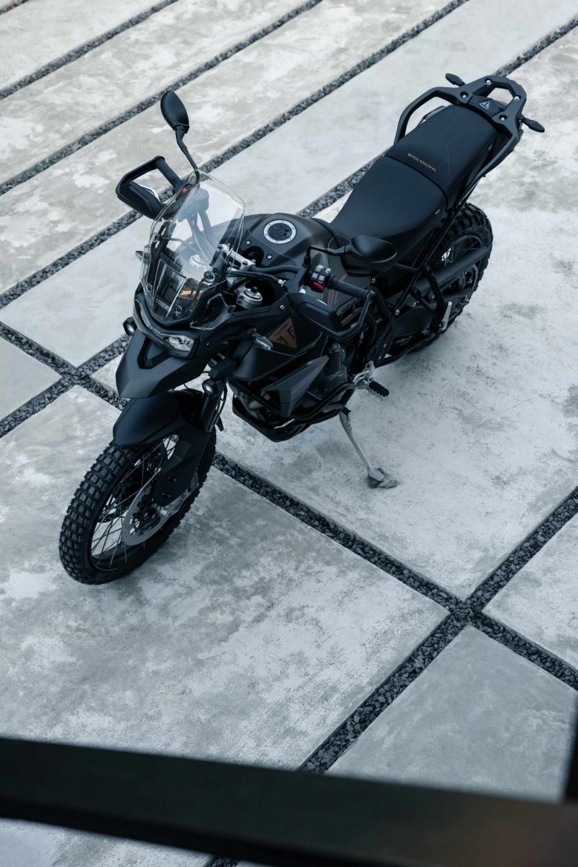 tiger-900-bond-edition14