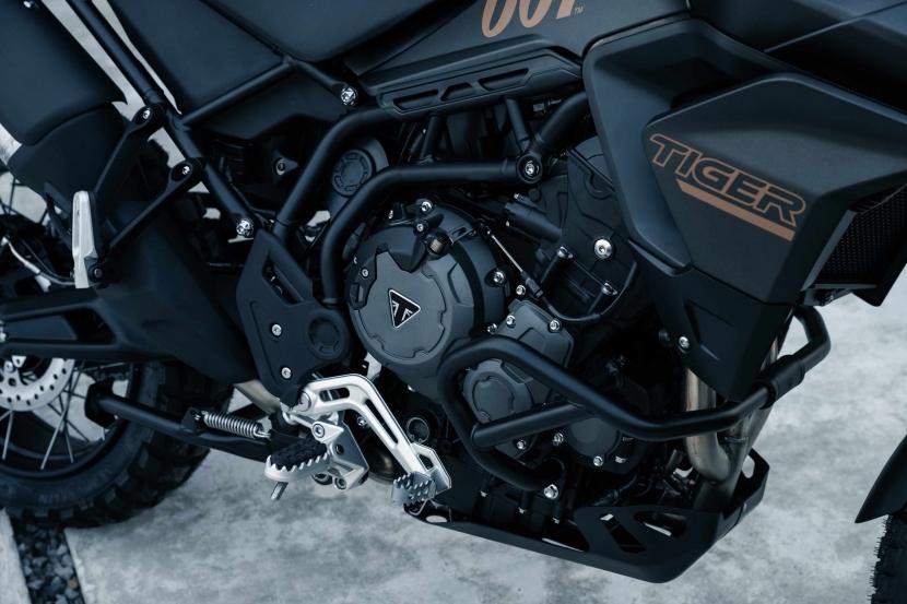 tiger-900-bond-edition17